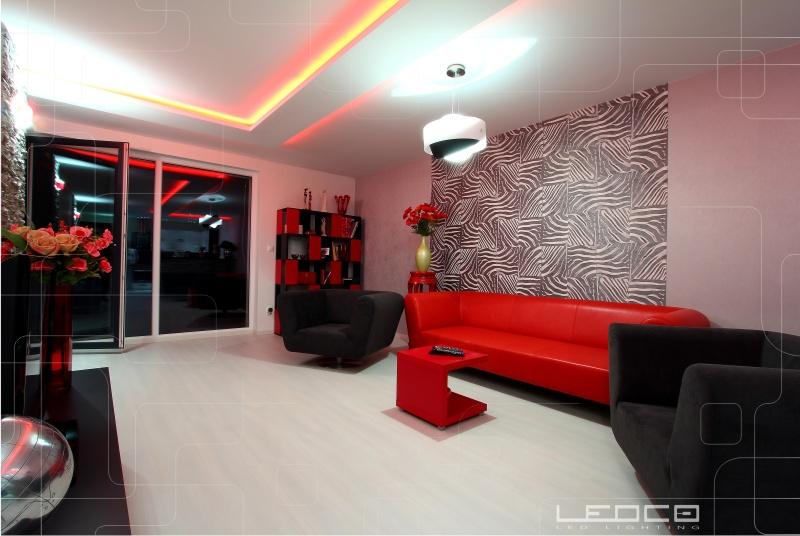 Farebný LED pás a osvetlenie podhľadu v štýlovom interiéri | LEDCO