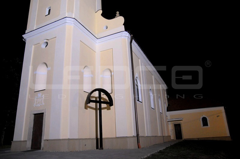 LED osvetlenie kostola reflektorom | LEDCO