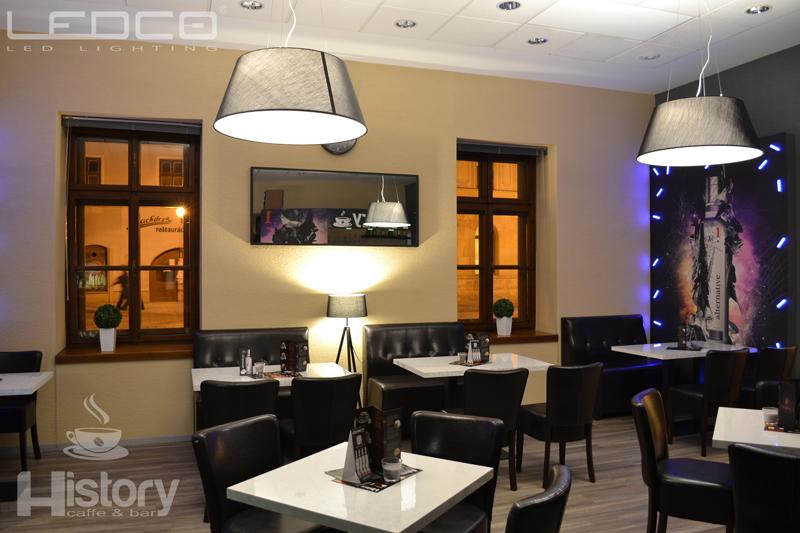 Závesné a stojanové svietidlá Lucide. Osvetlenie kaviarne a baru History Trnava. LED žiarovky.