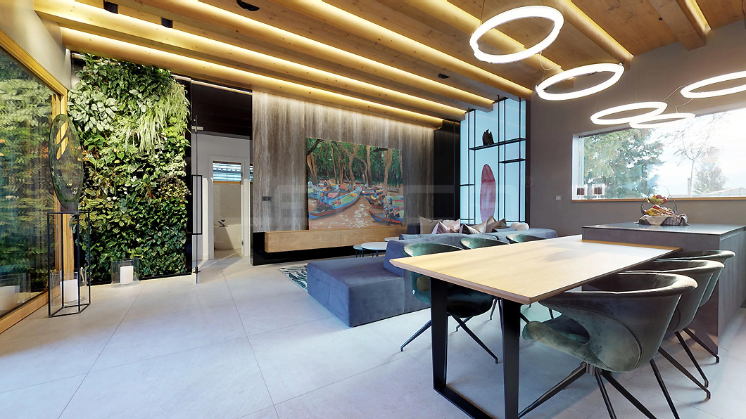 Moderné osvetlenie interiéru a záhrady luxusnej vily