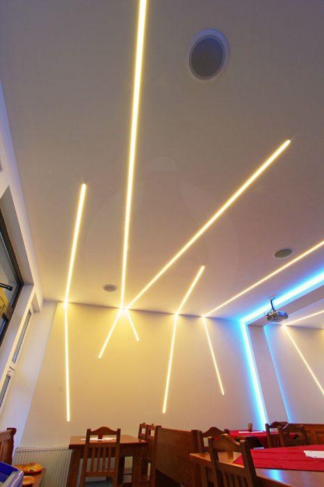LED línie v kaviarni