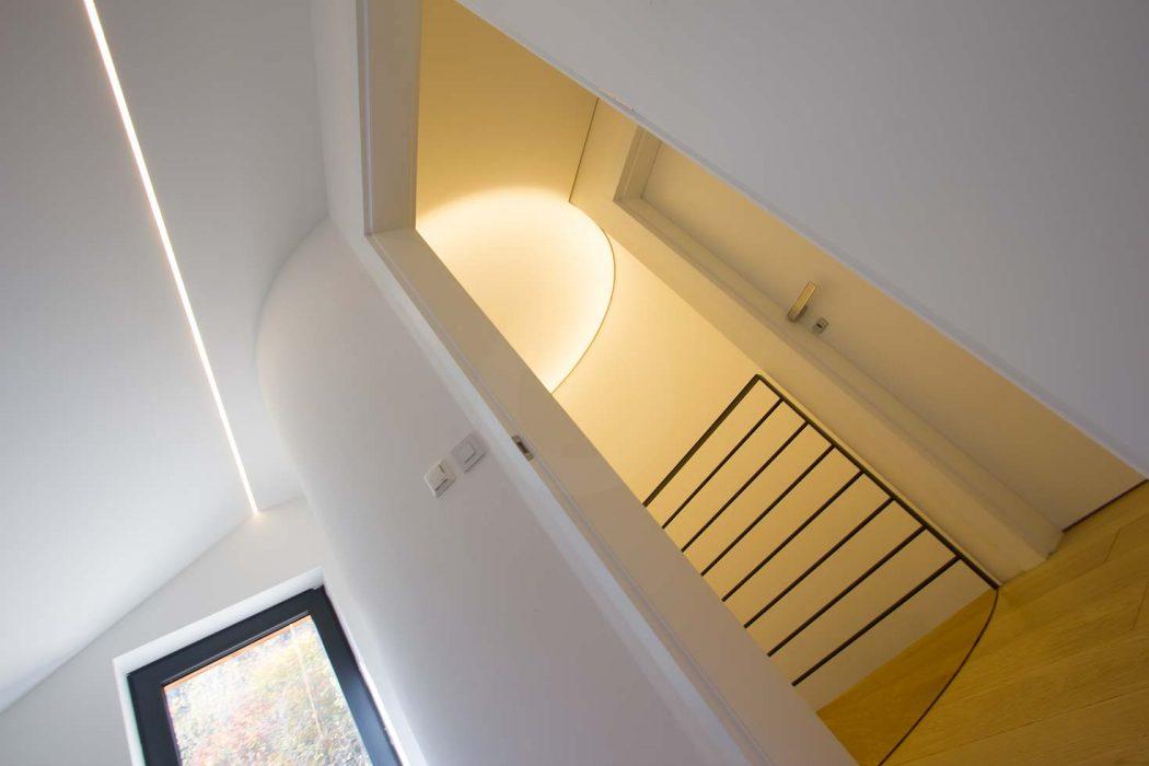 Barrisol na schodisku - svetelný strop