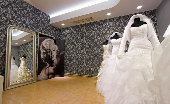 Wedding salon with LED lighting