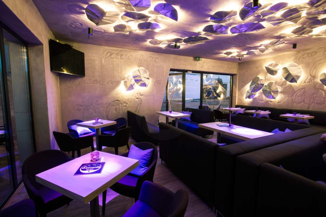 LED lighting in the café Esencia in Trnava