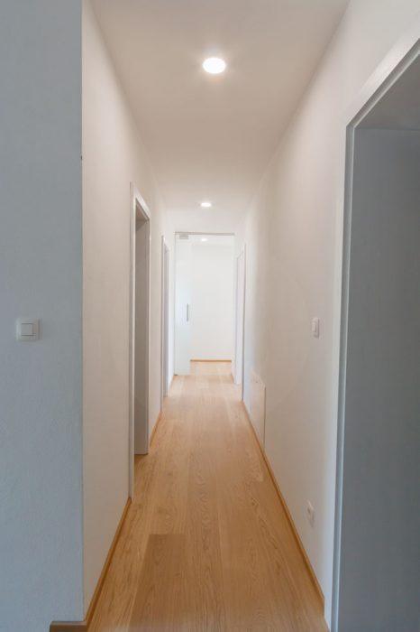 LED bodovky na chodbě