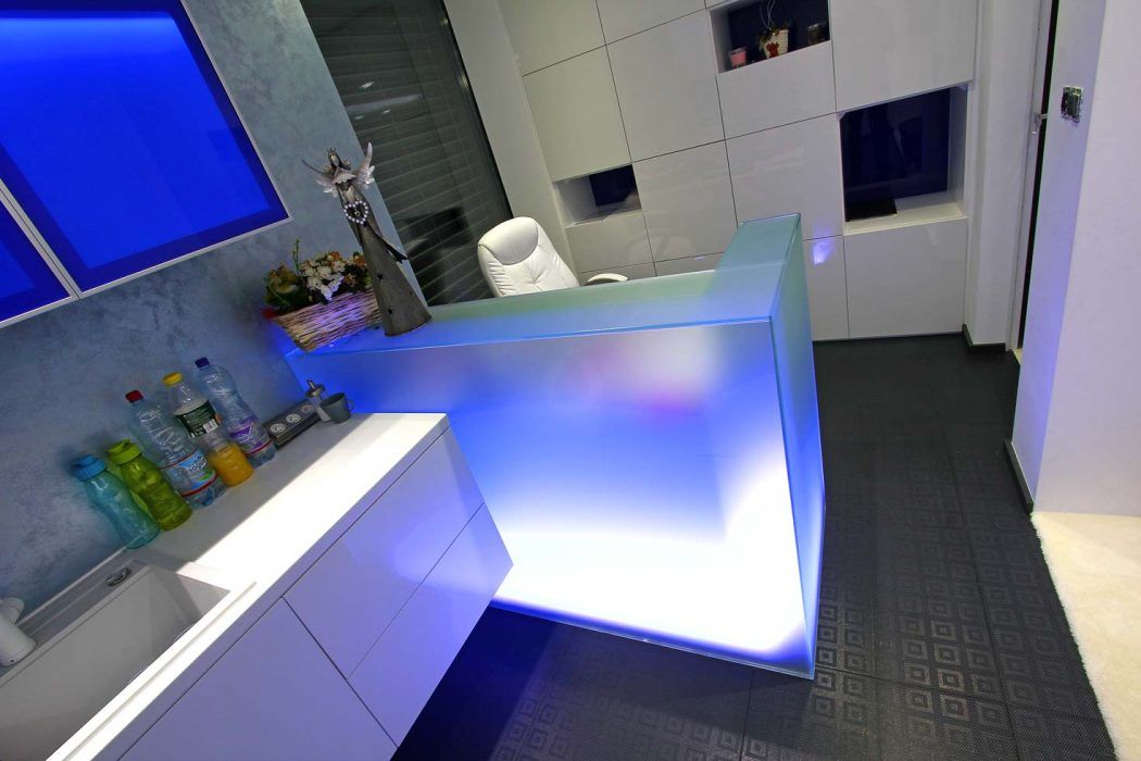 LED lighting of the glass counter