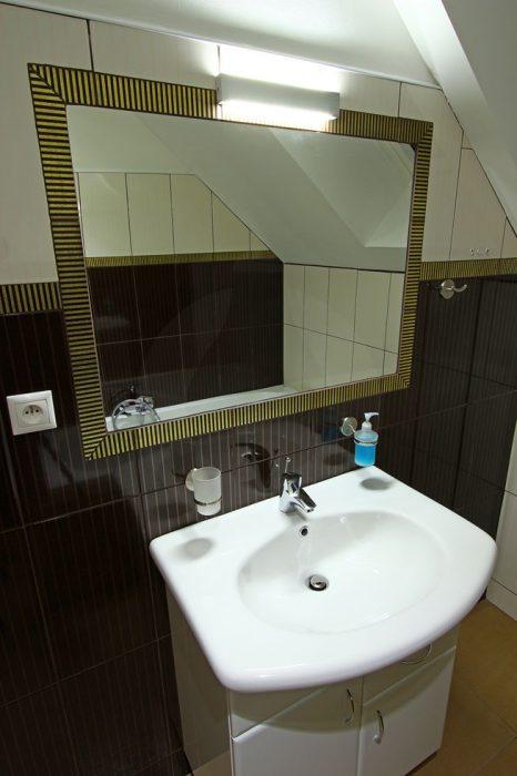 LED illumination of a mirror