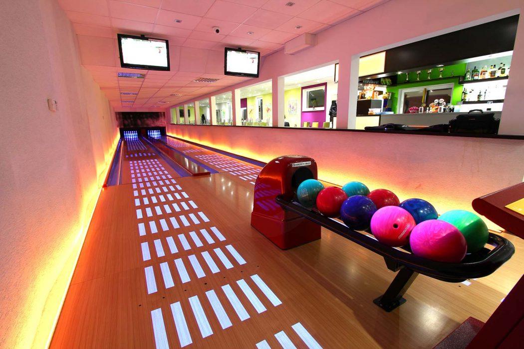 LED illumination of the bowling