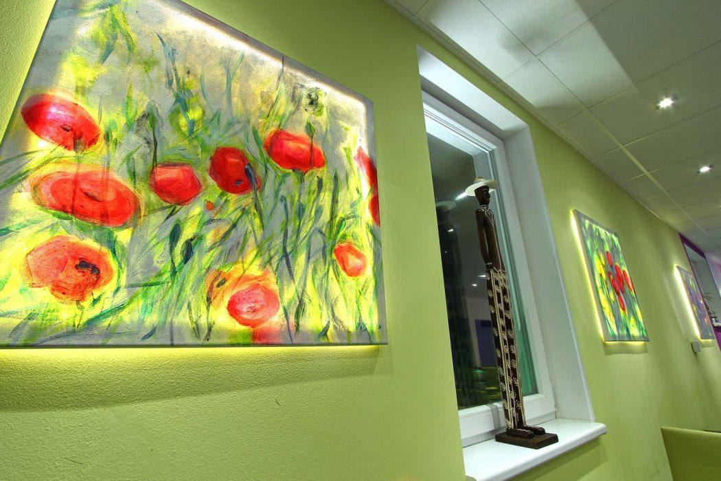 LED illumination of a painting