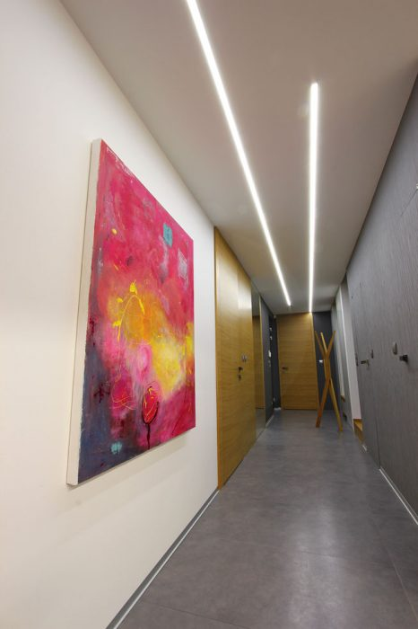 Line lighting in the corridor