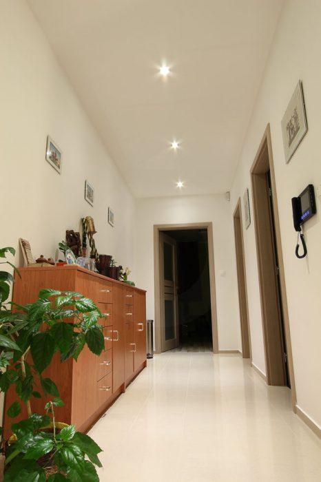 Spotlights in the corridor
