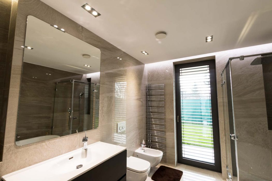 LED spotlights in the bathroom, spotlights, bathroom lights
