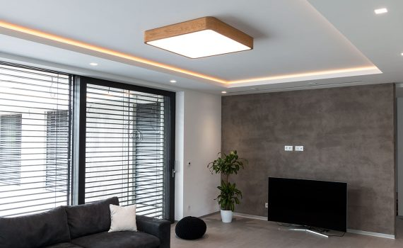 woodLED in the living room, Trilum, woodLED SQUARE 900, LED in the ceiling, spotlights in the living room