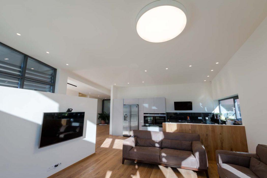 LED osvetlenie obývačky, woodLED, Trilum, bodovky v strope, bodovky v kuchyni