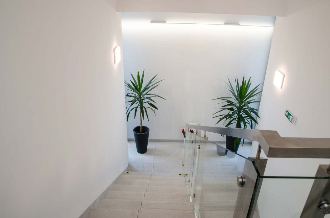 Osvetlenie schodiska s LED svietidlom