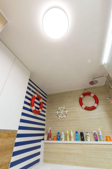 LED osvetlenie kúpelne, prímorská kúpelňa
