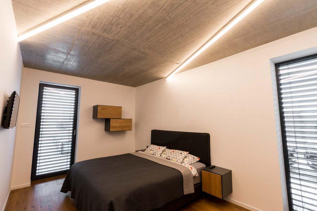 Svietidlo do spálne, LED profil v spálni