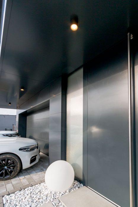 antracitové svietidlá do exteriéru, vonkajšie svietidlá pred dom, LED svietidlá do podbitia
