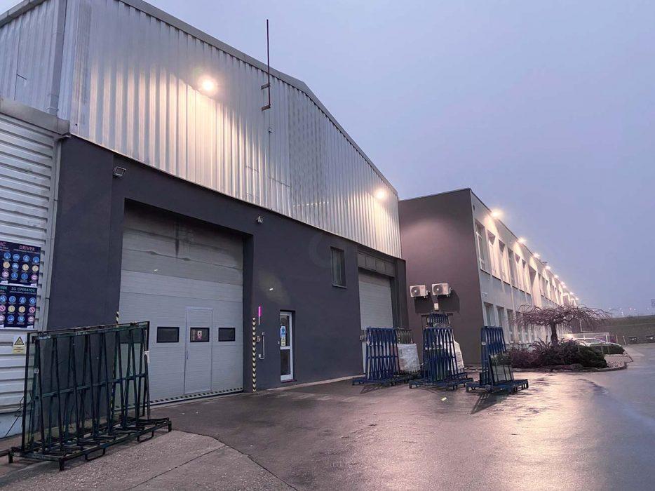 osvetlenie priemyselného parku, LED svietidlá v podniku
