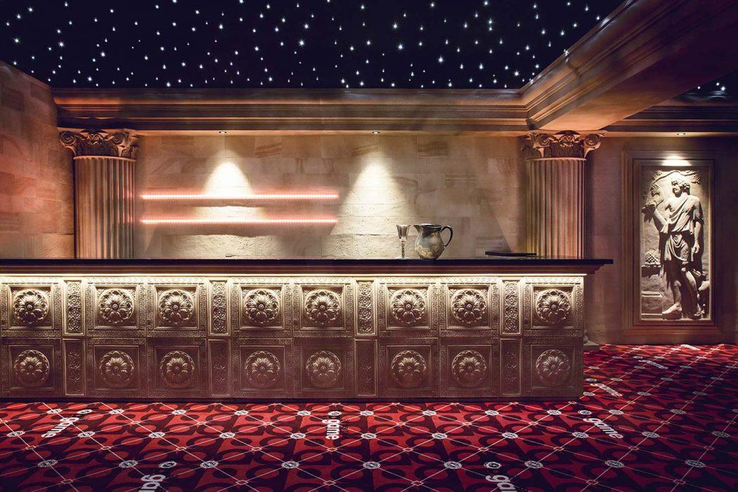 LED osvetlenie baru, barového pultu, osvetlenie sklenených políc